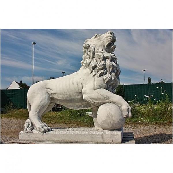 Löwe Rechts