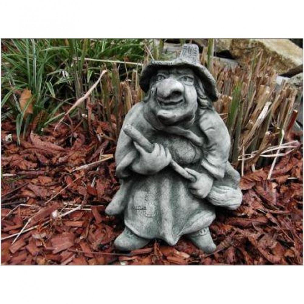Hexe als Steinfigur
