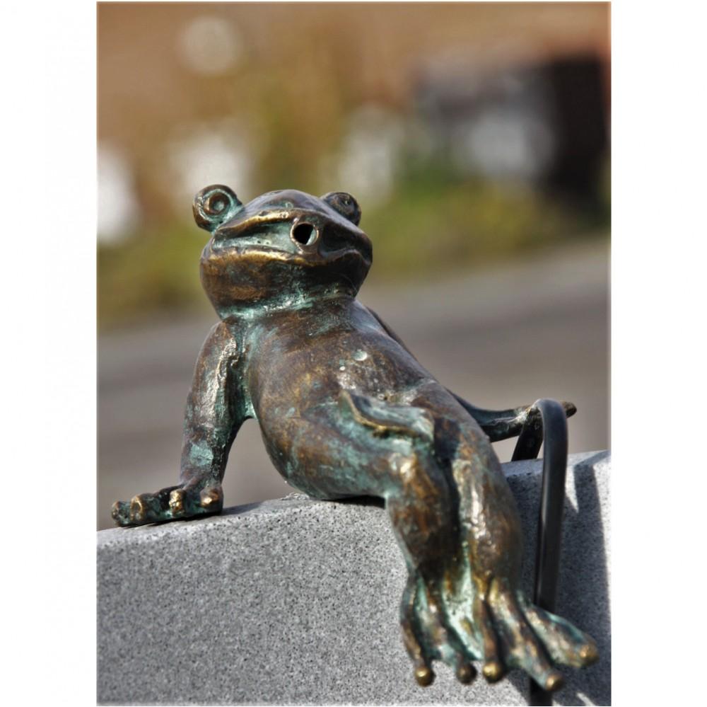 kunststoffbecken mit bronze frosch