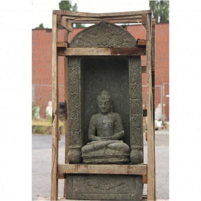 Buddha in Nische