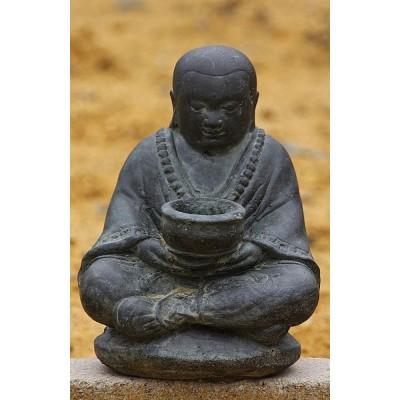 Mönch mit Schale