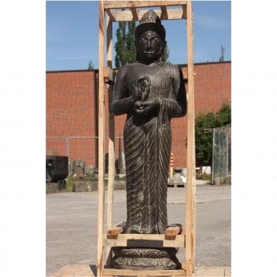 Buddha stehend