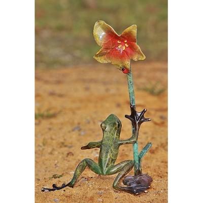 Frosch mit Orchidee