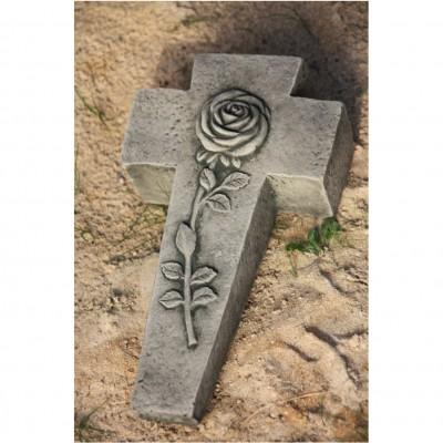 Rose auf Kreuz