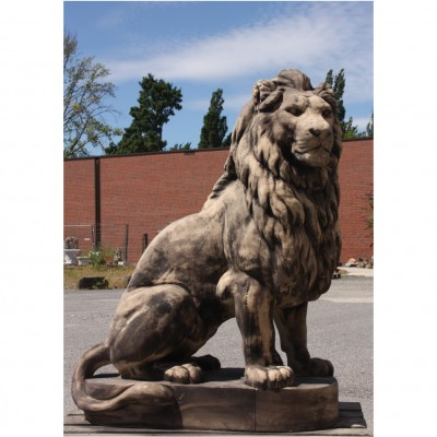 Löwe lebensgross